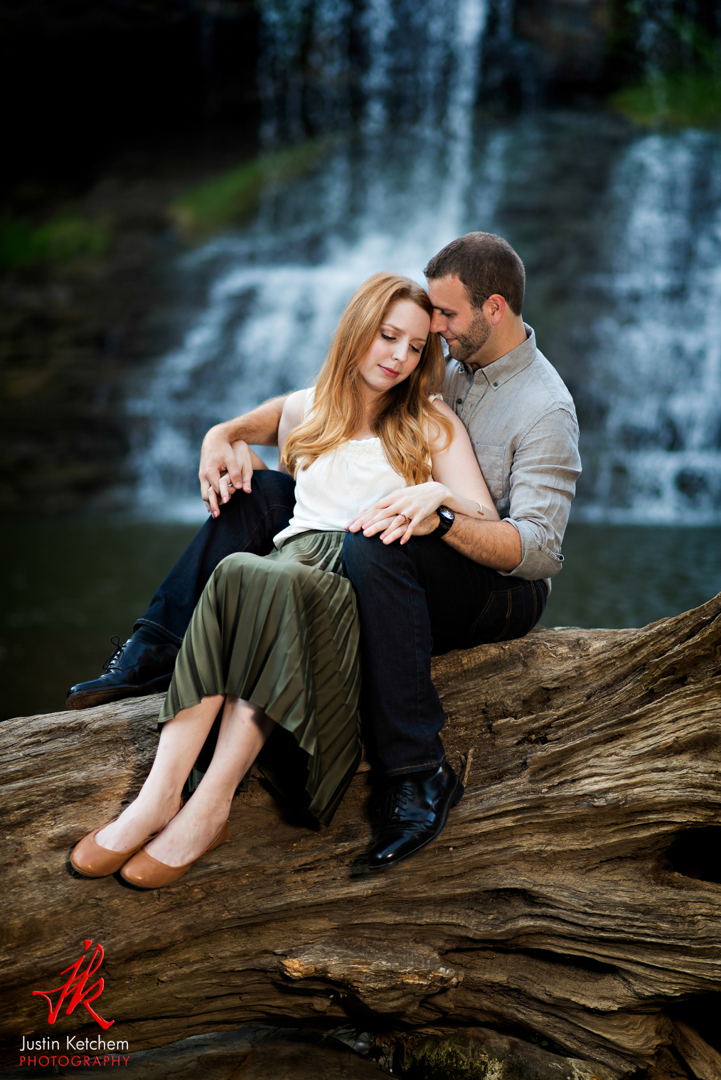Chagrin Falls, OH, cleveland engagement shoot, engagement photos, cleveland wedding photographers