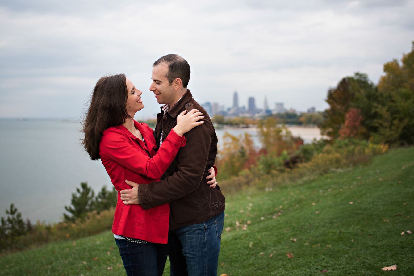 Cleveland engagement session, Cleveland sign Edgewater park, Cleveland Wedding photography.